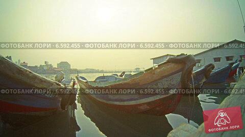 ветхая лодка