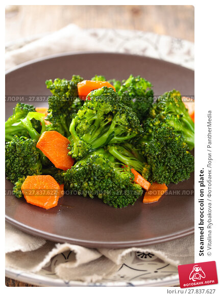 Купить «Steamed broccoli on plate.», фото № 27837627, снято 19 февраля 2018 г. (c) PantherMedia / Фотобанк Лори