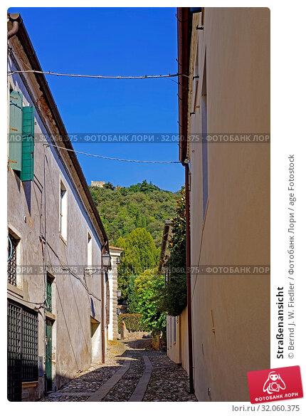 Straßenansicht. Стоковое фото, фотограф Bernd J. W. Fiedler / age Fotostock / Фотобанк Лори