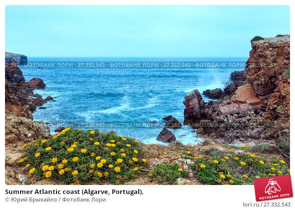 Купить «Summer Atlantic coast (Algarve, Portugal).», фото № 27332543, снято 21 мая 2016 г. (c) Юрий Брыкайло / Фотобанк Лори
