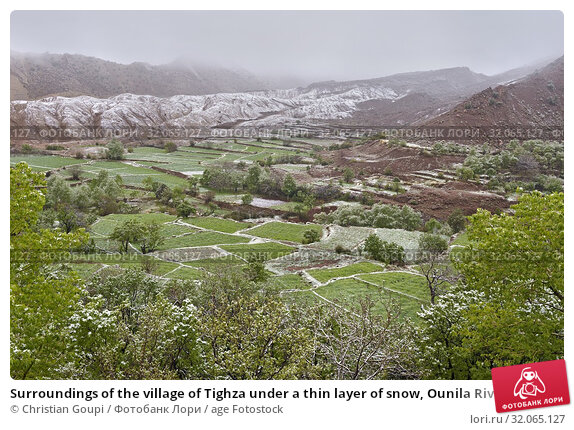Surroundings of the village of Tighza under a thin layer of snow, Ounila River valley, Ouarzazate Province, region of Draa-Tafilalet, Morocco, North West Africa. Стоковое фото, фотограф Christian Goupi / age Fotostock / Фотобанк Лори