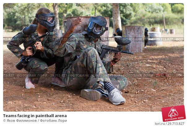 Купить «Teams facing in paintball arena», фото № 29713827, снято 11 августа 2018 г. (c) Яков Филимонов / Фотобанк Лори
