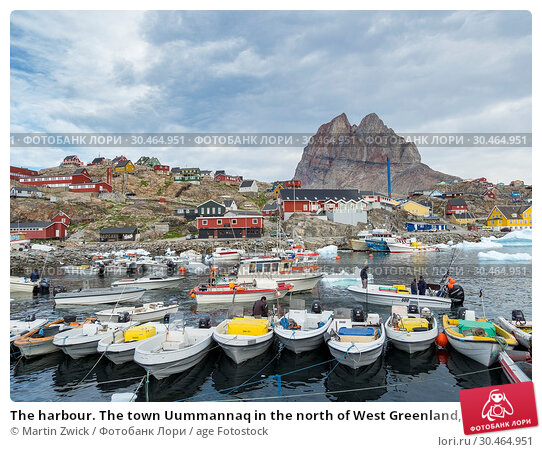 The harbour. The town Uummannaq in the north of West Greenland, located on an island in the Uummannaq Fjord System. America, North America, Greenland. Стоковое фото, фотограф Martin Zwick / age Fotostock / Фотобанк Лори