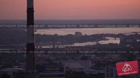 Купить «Timelapse Dawn Over The Port City With A View Of The River», видеоролик № 30689687, снято 13 сентября 2017 г. (c) Pavel Biryukov / Фотобанк Лори