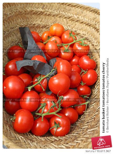 tomato basket tomatoes tomatos cherry. Стоковое фото, фотограф Bernhard Richter / PantherMedia / Фотобанк Лори