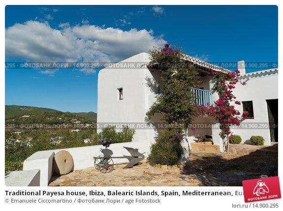 Купить «Traditional Payesa house, Ibiza, Balearic Islands, Spain, Mediterranean, Europe.», фото № 14900295, снято 19 июня 2018 г. (c) age Fotostock / Фотобанк Лори