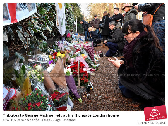 Купить «Tributes to George Michael left at his Highgate London home Featuring: Atmosphere, George Michael Where: London, United Kingdom When: 27 Dec 2016 Credit: WENN.com», фото № 28700851, снято 27 декабря 2016 г. (c) age Fotostock / Фотобанк Лори
