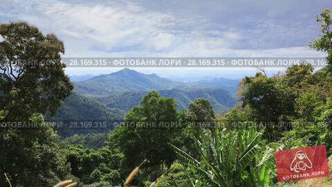 Купить «Tropical landscape with mountains in Eastern Vietnam», видеоролик № 28169315, снято 12 февраля 2017 г. (c) Алексей Кузнецов / Фотобанк Лори