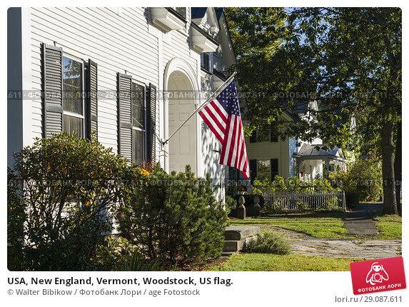 Купить «USA, New England, Vermont, Woodstock, US flag.», фото № 29087611, снято 2 октября 2017 г. (c) age Fotostock / Фотобанк Лори