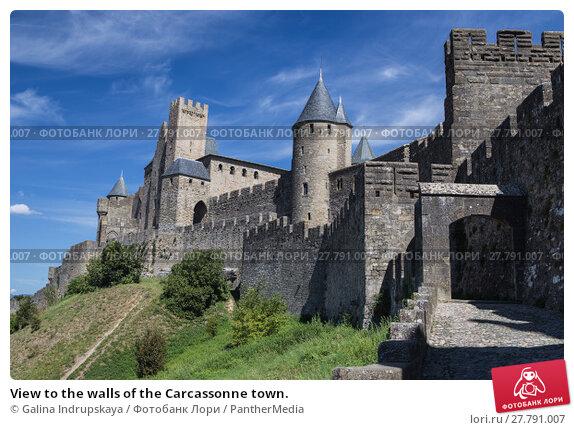 Купить «View to the walls of the Carcassonne town.», фото № 27791007, снято 24 февраля 2018 г. (c) PantherMedia / Фотобанк Лори