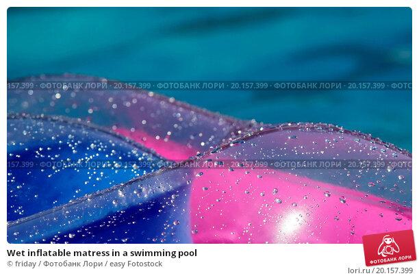 descriptive essay the swimming pool