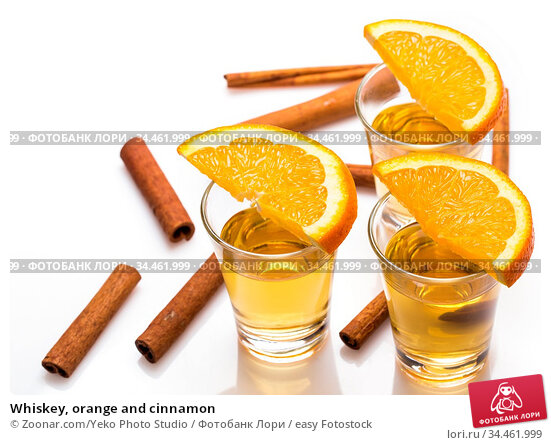 Whiskey, orange and cinnamon. Стоковое фото, фотограф Zoonar.com/Yeko Photo Studio / easy Fotostock / Фотобанк Лори